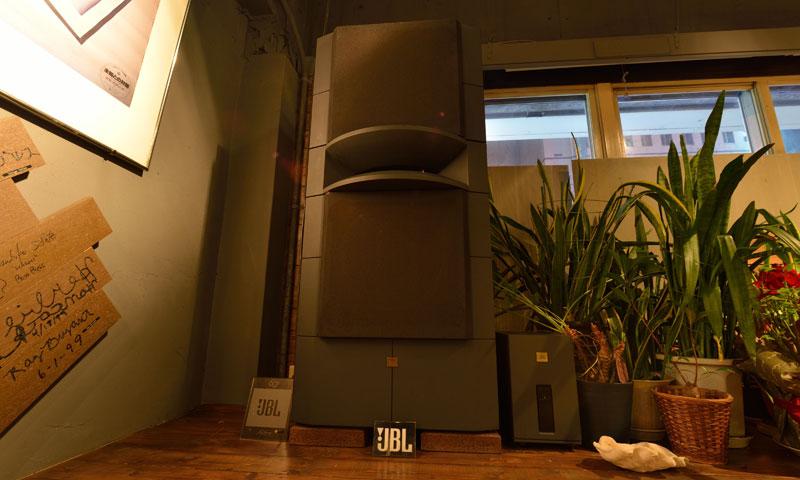JBLが聴ける店・img04