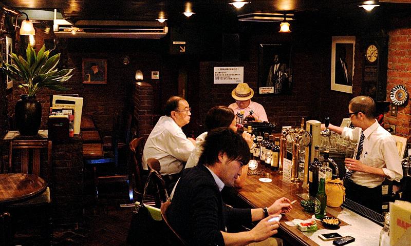 JBLが聴ける店・新宿DUG01