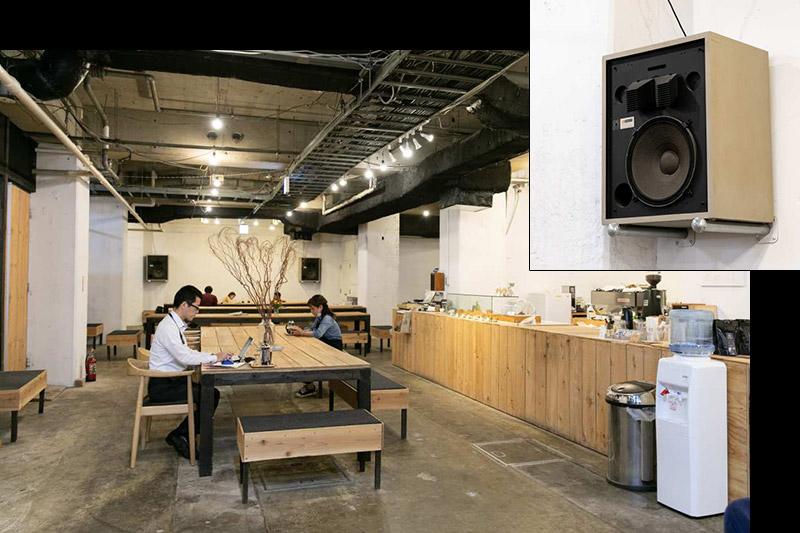 JBLが聴ける店・ZEBRA Coffee & Croissant08